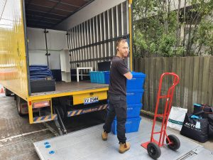 Prahran to Patterson Melbourne moving job Dec 2020 Loading the truck 01