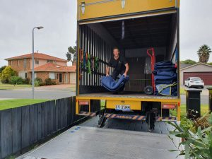 Prahran to Patterson Melbourne moving job Dec 2020 The truck is clean and reasy for the next moving job